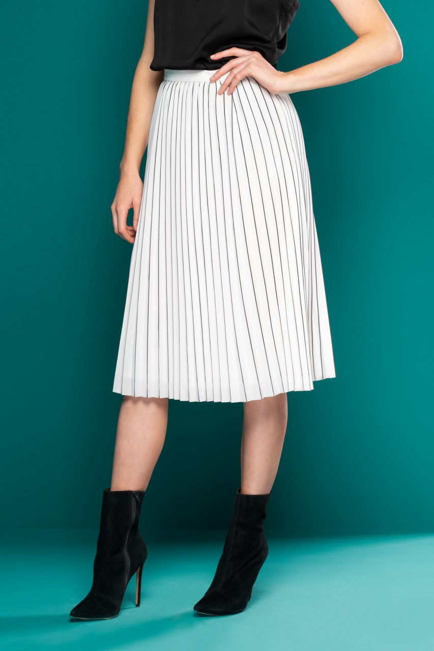 CREAM WHITE PLEATED MIDI SKIRT